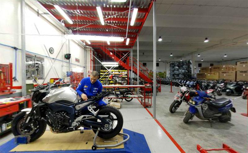 Pagine web italia aziende motocicli e motocarri for Officina moto italia